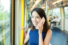 Woman chat on cellphone Royalty Free Stock Photography