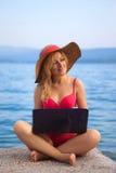 Woman&coast-162 fotografering för bildbyråer