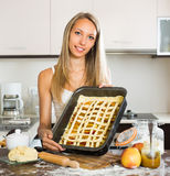 Woman cooking apple pie Royalty Free Stock Photography