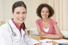 Woman in doctor's office Royalty Free Stock Images