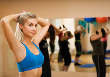 Woman doing fitness exercise Royalty Free Stock Photos
