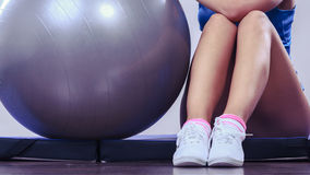Woman doing fitness exercises with fit ball Royalty Free Stock Images