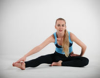 Woman doing her yoga stretch Royalty Free Stock Photography