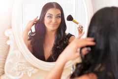 Free Woman Doing Make Up Royalty Free Stock Photography - 95633717