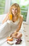 Woman eating Royalty Free Stock Image