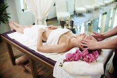 Woman Enjoying SPA Vakantie royalty-vrije stock afbeelding