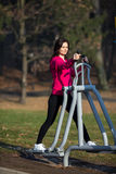 Woman exercising outdoor Royalty Free Stock Photos