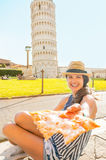 Woman giving pizza in pisa, tuscany, italy Royalty Free Stock Photos