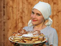 Woman in Grey Crew Neck Shirt Holding a White Ceramic Plate With Pancakes Royalty Free Stock Photos