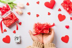 Free Woman Hands Holding Gift Or Present Box Decorated And Red Heart Surprise Royalty Free Stock Photos - 207782178