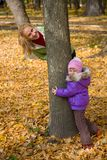Woman  with her daughter in the autumn park Royalty Free Stock Photos