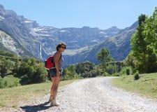 Woman hiker and cirque de Gavarnie Stock Photography