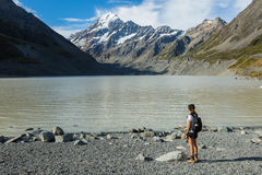 Woman hiker looking at Mount Cook Royalty Free Stock Photos