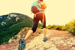 Woman Hiking on mountain Royalty Free Stock Photography