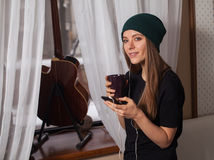Woman hipster listening music Royalty Free Stock Photos