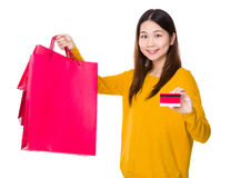 Woman hold with shopping bag and credit card Stock Photography