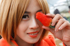 Woman hold Strawberry Royalty Free Stock Photography