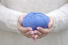 Free Woman Holding A Ball Of Yarn 4 Stock Photos - 167151633