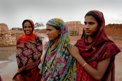 Woman Labour In Indian Brick-field Stock Photo