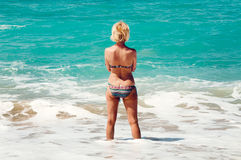 Woman looking at the sea Royalty Free Stock Photography