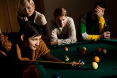 Woman playing snooker Royalty Free Stock Photo