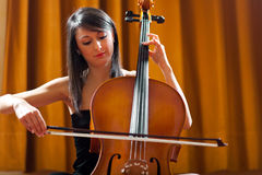 Woman playing viola Royalty Free Stock Photos
