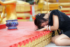 Woman praying buddha Royalty Free Stock Photos