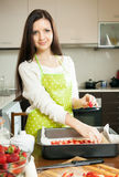 Woman preparing  cake Royalty Free Stock Images