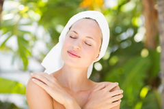 A woman preparing herself for spa day Royalty Free Stock Photos