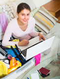 Woman preparing to travel Royalty Free Stock Photography