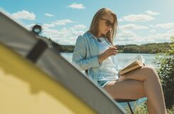 Free Woman Reading A Book. Royalty Free Stock Photos - 191076378