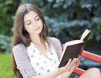 Woman Reading Royalty Free Stock Photo