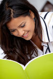 Woman reading a book Royalty Free Stock Photography