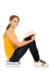 Woman reading book Royalty Free Stock Photography