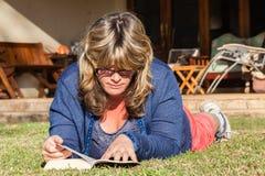 Woman Reading Book Lifestyle Royalty Free Stock Photos