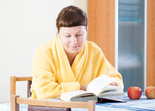 Woman reading a book Stock Photography