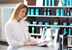 Woman in reception desk Royalty Free Stock Photo