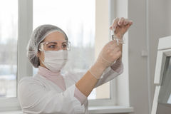 Woman scientist in a lab Royalty Free Stock Photography