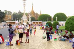 Woman selling food children Royal Palace, Phnom Penh Royalty Free Stock Images