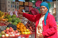 Woman selling on market in Bedugul Royalty Free Stock Photos