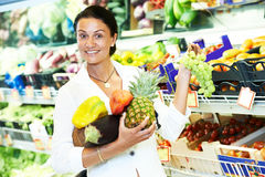 Woman shopping fruits Royalty Free Stock Photo