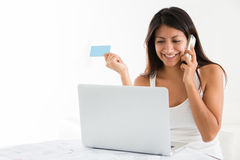 Woman shopping online Royalty Free Stock Photos