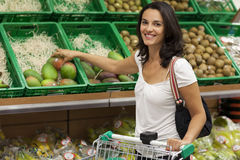 Woman shopping in supermarket Royalty Free Stock Photography