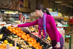 Woman Shopping At The Supermarket Royalty Free Stock Photos
