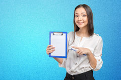 Woman showing and presenting Royalty Free Stock Photos