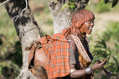 Woman sings at the bull jumping ceremony, Ethiopia Royalty Free Stock Images