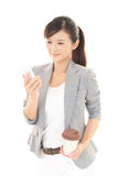 Woman with a smart phone  Royalty Free Stock Images