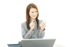 A woman with smart phone Royalty Free Stock Images