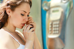 Woman smiling in telephone Royalty Free Stock Image