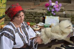 Free Woman Spinning Wool Royalty Free Stock Photos - 110297208